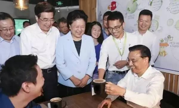 总理喝咖啡
