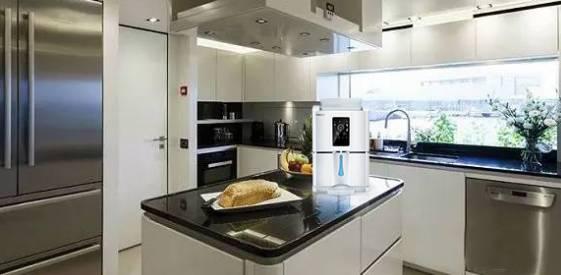 Baglietto Unicorn 厨房配备空气制水机