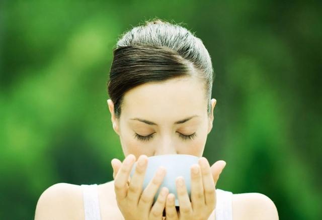 福能达提醒你健康饮水