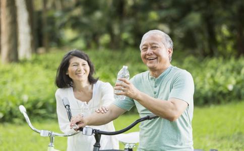 多饮水预防冠心病发作