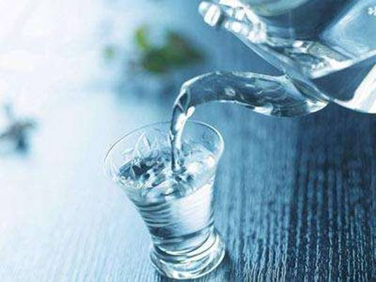 开水放久会变毒药?千滚水致癌?