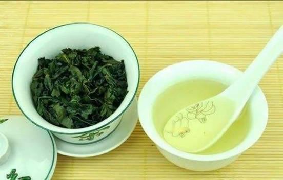 饮青茶,消除体内燥热