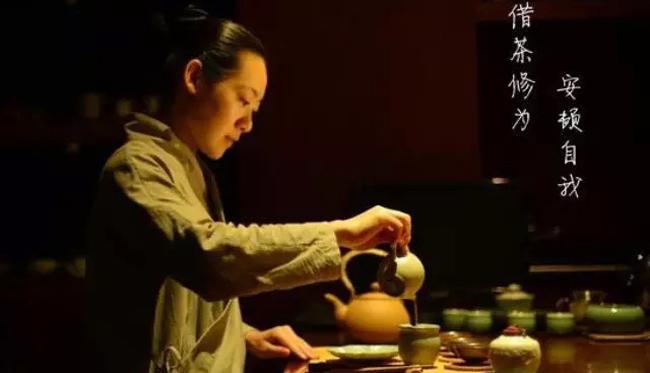 喝茶的人有文化内涵,懂得更多