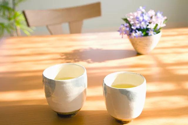 感冒建议放下茶杯