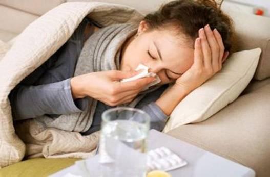 半夜突然发烧,医院太远药店又关门了,怎么办?