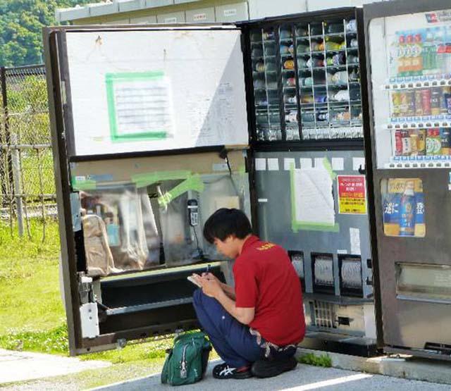 自动售货机如何补货