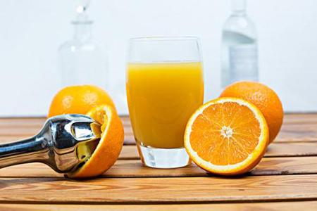 自动鲜榨橙汁机好不好做?过来人给出忠告!