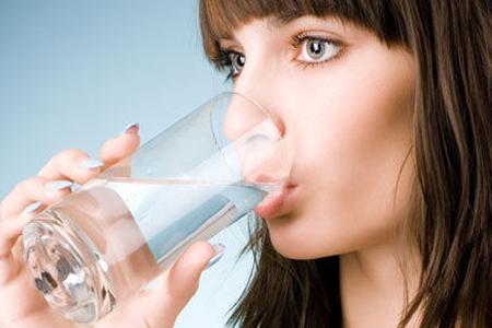 每天八杯水竟是谬论,空气制水机教你喝水正确姿势!