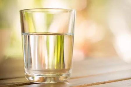 多喝水不如会喝水,10种科学饮水方式节省上万医药费!